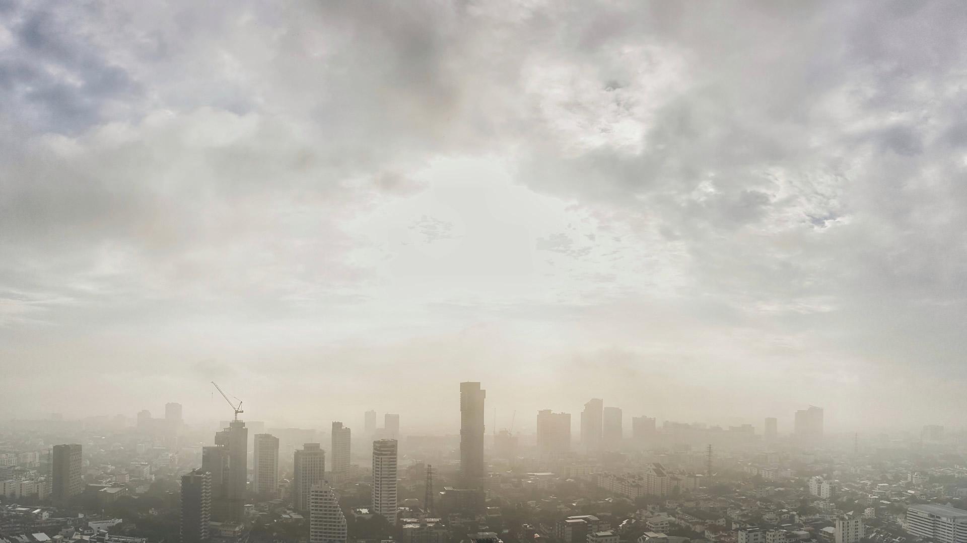 """Polski Alarm Smogowy opublikował raport """"Droga do czystego powietrza"""""""
